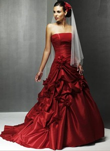 Best Crimson Wedding Dresses Gown | Royal Wedding Family Gown Red ...